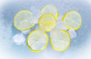lemons in ice water