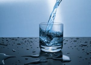 drinking water can help with acne